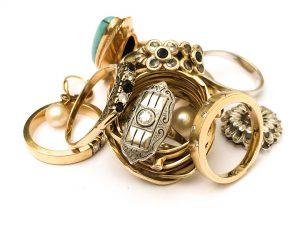 Ringe aus Gold mit Diamanten